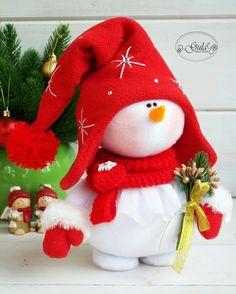 Handmade Christmas Decorations, Felt Christmas Ornaments, Personalized Christmas Ornaments, Christmas Snowman, Xmas Decorations, Holiday Crafts, Christmas Crafts, Christmas Preparation, Snowman Crafts