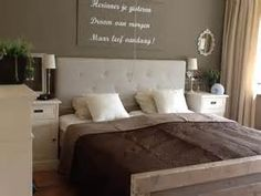 1000 images about krijtverf idee n on pinterest home deco image search and shabby chic homes - Grijze muur deco ...