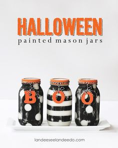 There are endless possibilities for mason jar crafts. Just when we thought we couldn't find any more, we discovered the Halloween Painted Mason Jars. Mostly used for summery projects, this craft has spooked them up for homemade Halloween decorations. Halloween Projects, Holidays Halloween, Halloween Ghosts, Halloween Decorations, Easy Decorations, Fall Projects, Craft Projects, Halloween Stuff, Children Projects