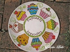 This one looks good enough to eat! Pottery Painting Designs, Pottery Designs, Paint Designs, Pottery Plates, Ceramic Plates, Pottery Art, China Painting, Ceramic Painting, Ceramic Art