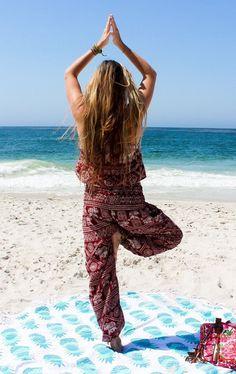Cute pants for your beach day! Beach At Night, Beach Day, Beach Images, Beach Pictures, Thai Harem Pants, Tropical Beach Resorts, Beautiful Beach Sunset, Beach Flowers, Elephant Pants