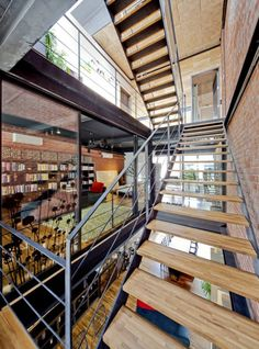 Image 7 of 13 from gallery of 36 BTrd / DP Architects. Courtesy of dp architects Interior Architecture, Interior And Exterior, Interior Design, Gym Interior, Futuristic Interior, Residential Architecture, Dp Architects, House In Nature, Staircase Design