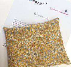 Petite bouillotte sèche aux graines de lin, housse Liberty jaune : Soin, bien-être par le-bazar-creations