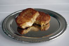 Triple Threat #GrilledCheese! Three of America's Best Winners: Tillamook Colby Jack, Tillamook Sharp Cheddar, and Tillamook Vintage White Extra Sharp all in one delicious sandwich! http://www.tillamook.com/community/loaflifeblog/tillamook-triple-threat-grilled-cheese/?utm_source=pinterest&utm_medium=social+media&utm_campaign=general
