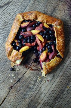 How cool is this peach and blueberry rustic tart recipe? Totally cool for a hot summer day.