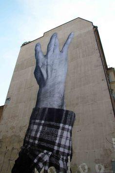 Street Artist: JR in Berlin