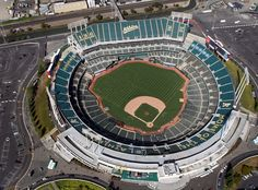 Oakland directs Coliseum board members to reject A's lease