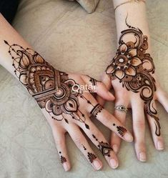 Floral Latest Mehndi Designs 2019 For Hands, There is the growing trend of mehndi designs, also known as henna tattoo designs which is now the main element for women. Henna Hand Designs, Henna Flower Designs, Beginner Henna Designs, Mehndi Designs 2018, Modern Mehndi Designs, Mehndi Design Photos, Flower Henna, Bridal Mehndi Designs, Mehndi Designs For Hands