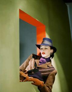 John Rawlings, 1942.- www.fashion.net/