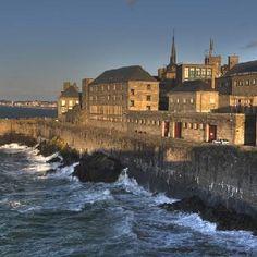 Bretagne - Les remparts de Saint-Malo
