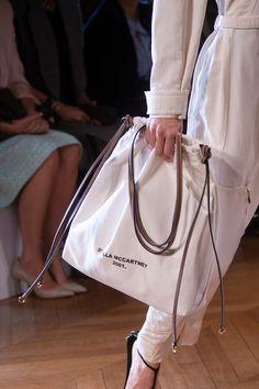 Stella McCartney at Paris Fashion Week Spring 2019 - Details Runway Photos Source by ejparkk bags Fashion Week Paris, Fashion Bags, Trendy Fashion, Fashion Trends, Women's Fashion, Cheap Fashion, Tote Bags, Clutch Bag, Purse