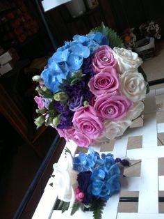 Hidrangea, eustoma and sweet roses