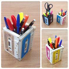 Este porta-lápis reciclado de fita K7 pode ser uma ótima opção de presente, caso…