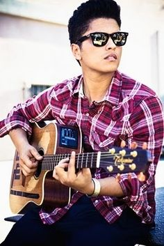 Bruno Mars: I be lovin', I be lovin', I be lovin' his music too much to not have him pinned. Bang, bang... Gorilla.