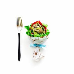 牛肉とねぎのすき焼き風サラダ . 暑くなってきたのでスタミナつけよう✨ .