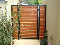 We are providing Steel #HorizontalSlatFencing in Melbourne. It is acclaimed for its exquisite designs and strength.