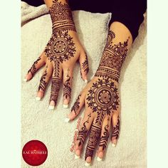 #Simple #bridal #mandala #henna by #lal_hatheli on #instagram! A simple but gorgeous #mehndi #pattern! ❤️  #bridalhenna #bridalmehndi #mehendi #mehandi #heena #hennadesign #hennapattern #tribalhenna #casualhenna #temporarytattoo #hennatattoo #tattoo #tat #partyhenna