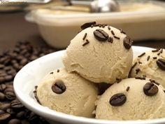 Helado de café y mascarpone - MisThermorecetas Delicious Deserts, Yummy Food, Parfait, Thermomix Desserts, Cold Desserts, Ice Cream Photos, Sorbets, Ice Ice Baby, Vegan Ice Cream
