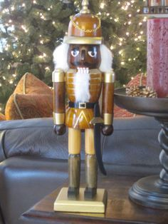 African-American-Black-Ethnic-Christmas-Nutcrackers-14-Gold-Soldier-LAST-ONE