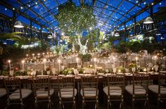 A Michigan wedding venue and botanical garden for stunning winter weddings, non-denominational ceremony or garden party in metropolitan Detroit, Oakland County, Michigan.