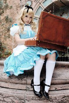gorgeous alice cosplay photo.