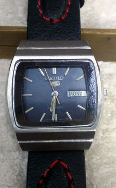 Vintage Seiko 5 Automatic Day-Date 17-Jewels Men's Wrist Watch AS-25