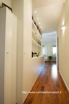 Moderner Flur, Diele & Treppenhaus von Rachele Biancalani Studio