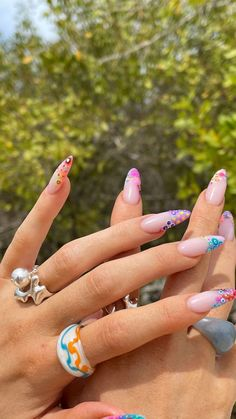 Uñas Kylie Jenner, Evil Eye Nails, Kylie Nails, Acrylic Nails Kylie Jenner, Nail Polish, Funky Nails, Fire Nails, Minimalist Nails, Dream Nails