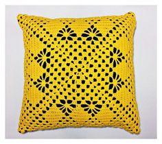 Almofada Crochê Amarela - 40x40cm | casame - arte e decoração | Elo7