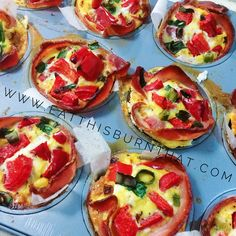 These BAE muffin cups is paleo friendly, healthy and make a great convenient breakfast option! Never skip breakfast again (or opt for the dirty bacon and egg roll! with these quick & easy paleo bacon and egg muffin cups! Quick Healthy Breakfast, Healthy Snacks, Healthy Recipes, Breakfast Options, Breakfast Recipes, Bacon And Egg Roll, Egg Muffin Cups, Paleo Bacon, Egg Rolls