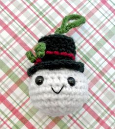 Snowball amigurumi ornament