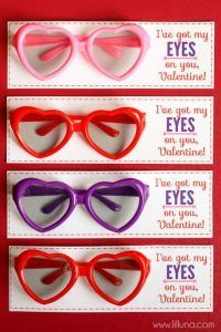 I have a have a love hate relationship with Valentines. I don't really care so much about presents and all the roses and smushyness. BUT I LOVE the funny and cute Valentines Ideas! (and pink is my favorite color)  So here is a fun roundup of amazingly clever and cute Valentines for your kids (or …