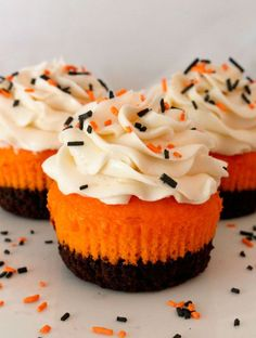 """<p>Halloween is the perfect occasion to add some brownie mix to your cupcakes.</p><p>Get the recipe at <a rel=""""nofollow"""" href=""""http://www.twosisterscrafting.com/brownie-cupcakes-for-halloween/"""">Two Sisters Crafting</a>.</p>"""