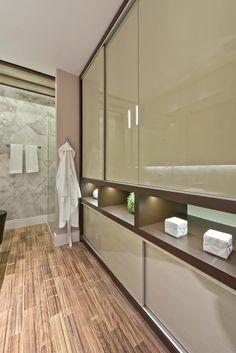 Loft de 30m²: Closets modernos por Renata Mueller Arquitetura de Interiores