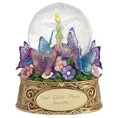 Welcome to the Collectors Guide to Disney Snowglobes. Information on over 2900 Disney snow globes. Walt Disney, Disney Magic, Disney Art, Water Globes, Snow Globes, Disney Music Box, Disney Snowglobes, Tinkerbell And Friends, I Love Snow