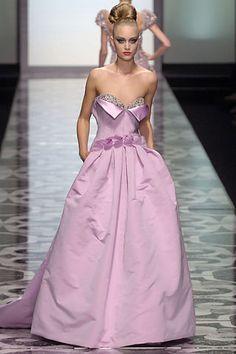 Valentino Garavani fall 2007 couture collection. See more: #ValentinoGaravaniAtFip, #FashionInPics