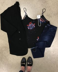 Saturday night out on the town? Shop simplicity boutique for all your needs! Boutique Shop, Fashion Boutique, Saturday Night, Ootd Fashion, All Black, Night Out, Floral Prints, Shopping, Floral Patterns