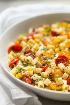 Essence of Summer Caprese SaladFollow for recipesGet your  Mein Blog: Alles rund um Genuss & Geschmack  Kochen Backen Braten Vorspeisen Mains & Desserts!