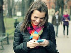 Comer por ansiedad es uno de los problemas más comunes a los que se enfrentan las personas que batallan para perder peso, y aunque existen muchos remedios caseros para calmarla (como comer paletas de limón endulzadas con sustituto de azúcar) esta nueva solución está al alcance de tus dedos. Un nuevo estudio descubrió que los videojuegos que pueden quitar el hambre.El estudio llevado a cabo por investigadores de la universidad de Plymouth reveló que jugar Tetris puede disminuir los antojos.