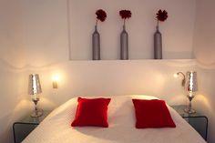 Chambre Standart dans l'#hotel Le Mas au Mas du Terme de Barjac #gard #provence #red #white #moderne #contemporain #luxe #life #cosy #charme #chaleureux