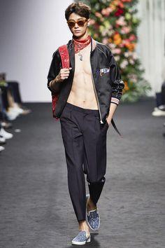 Beyond Closet Spring/Summer 2016 - Seoul Fashion Week