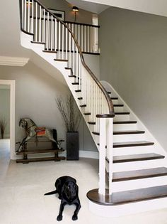 H&R's Editor-in-Chief Michael Holmes and his interior designer wife Emma Kirby have built a Georgian-inspired family home with a contemporary twist. Modern Georgian, Georgian Homes, Curved Staircase, Staircase Design, Staircase Ideas, Georgian Interiors, Cottage Interiors, Entry Hallway, Entryway