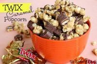 Twix Caramel Popcorn Recipe on MyRecipeMagic.com #popcorn #caramel #twix