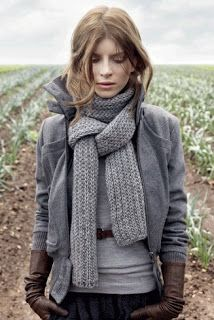 Love this stylish fall outfit!
