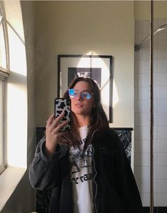 should i wear my glasses more? Mackenzie Ziegler, Trendy Girl, Wearing Glasses, Foto Pose, These Girls, Cool Outfits, Photo And Video, How To Wear, Clothes