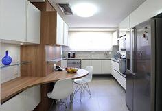 Bancadas de cozinha - cozinha planejada com bancada em madeira