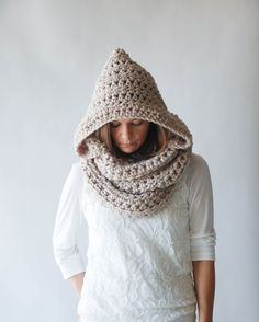 LOVE this cowl with a hood!!!! // Chunky Hooded Cowl Infinity Scarf //