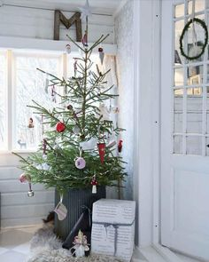 北欧クリスマスツリー飾り付け方