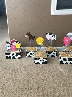 Barnyard Centerpieces created by Sonia Villagomez Party Animals, Farm Animal Party, Farm Animal Birthday, Barnyard Party, Cowgirl Birthday, Cowgirl Party, Farm Birthday, Farm Party, Cow Birthday Parties