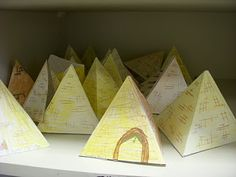 3D Egyptian pyramid - unfolds to reveal map of pyramid with tunnels and dead ends to trick thieves